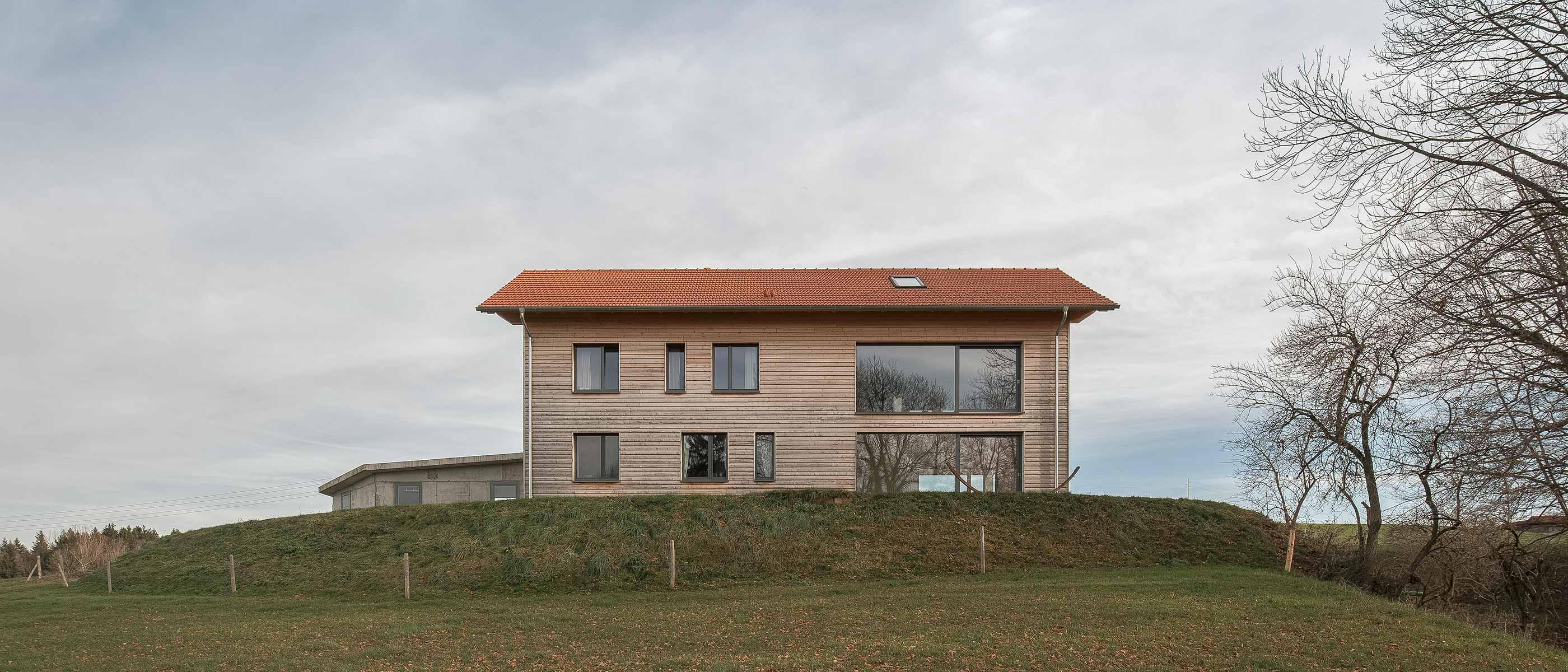 Architektur ins Landschaftsbild integriert