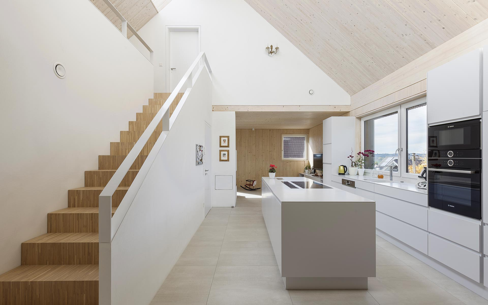 Holzhaus mit verputzten Wänden