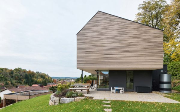 Energiesparendes Holzhaus