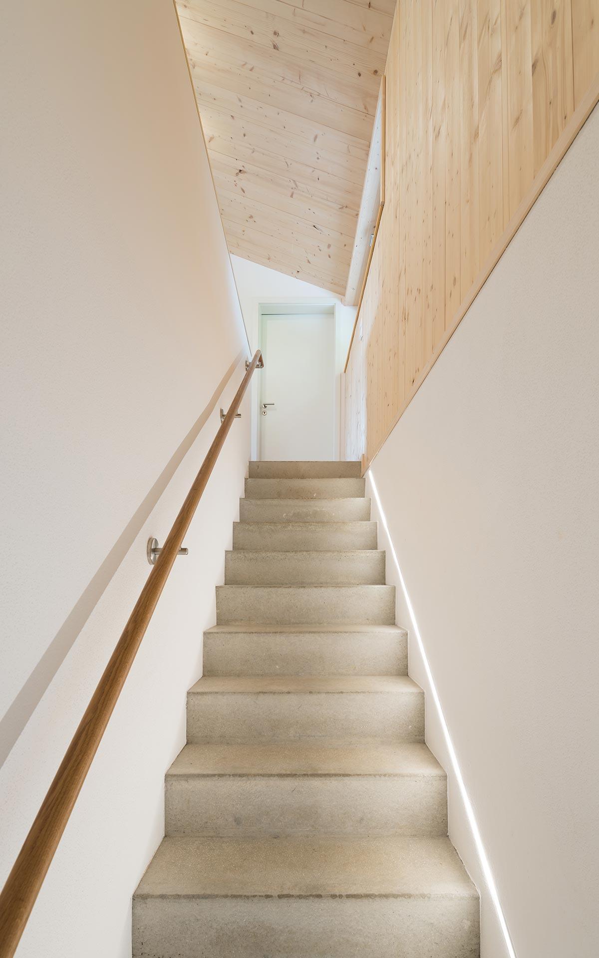 Materialmix im Hausbau: Beton und Holz