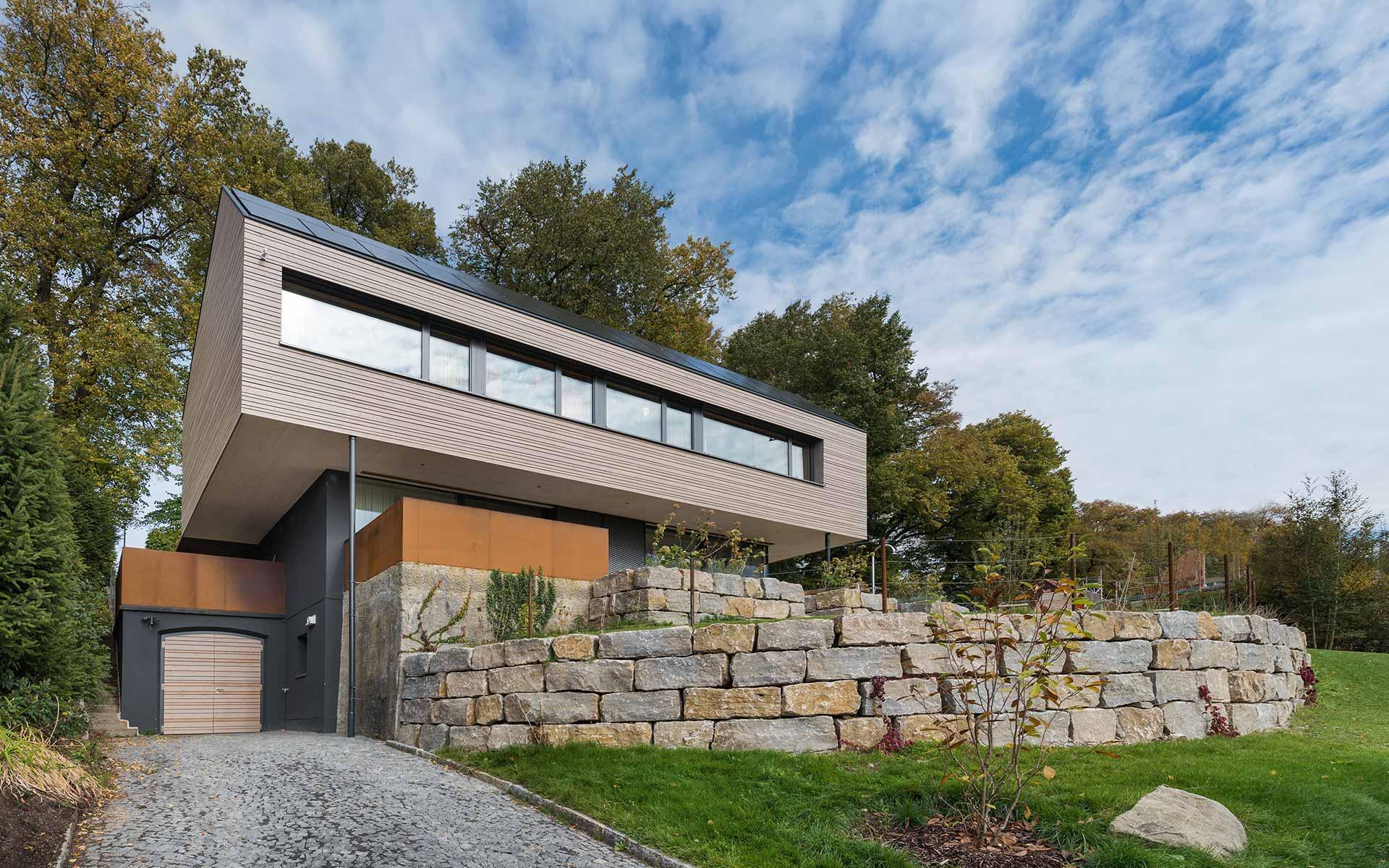 Modernes Vollholzhaus von Syno R